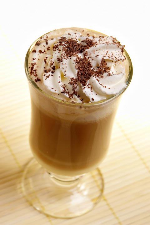 (1) Кафе пијалак со Бејлис и овошен сладолед (Bailey's Sundae Coffee Drink)