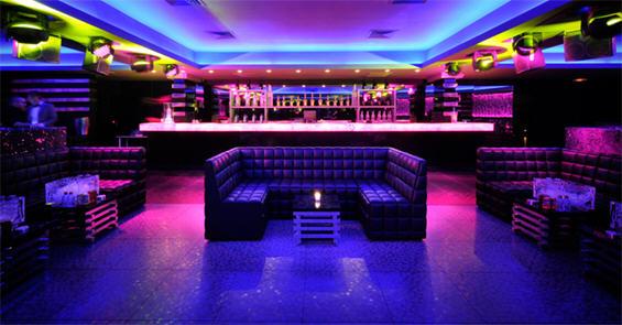 Барови и ноќни клубови низ светот