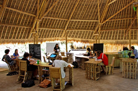 Еколошкото училиште во Бали