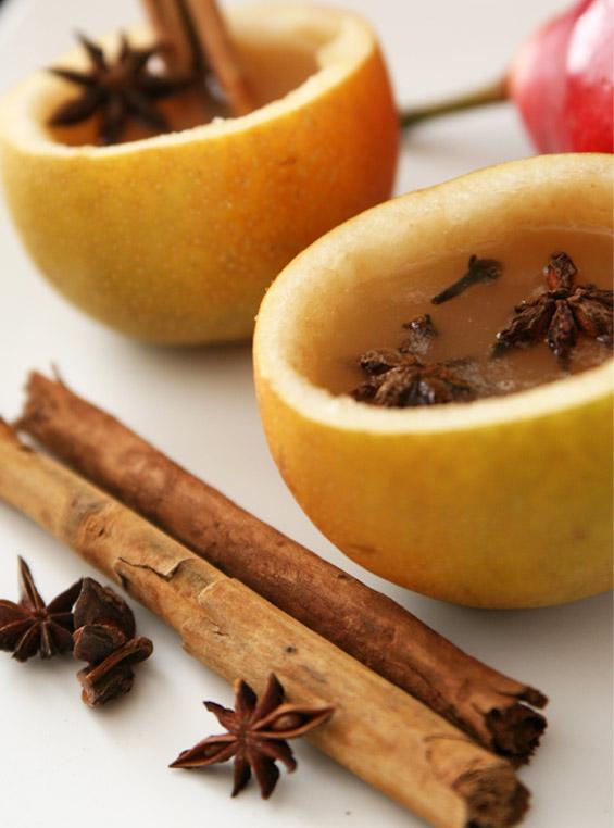 Топол сок од јаболка во крушка