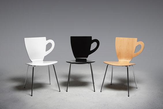 Столче во форма на филџан за кафе
