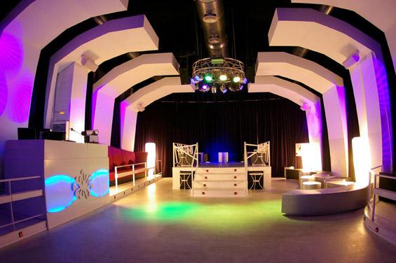 Ноќен клуб инспириран од ледените пештери