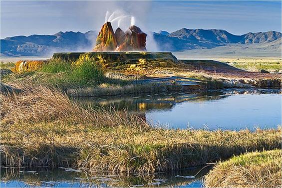 Фамозниот колоритен гејзир во Невада,САД