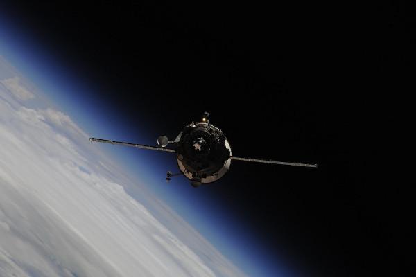 (11) Планетата Земја одозгора - поглед од ISS