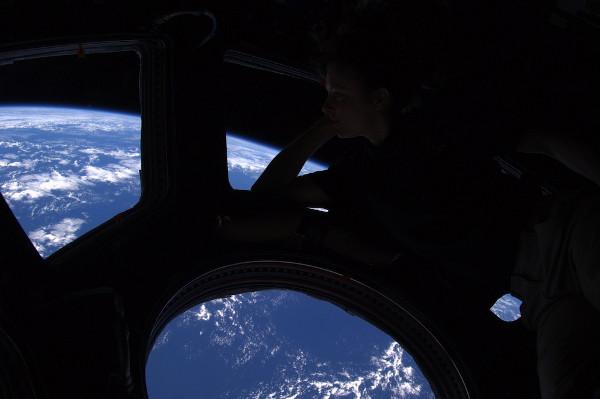(12) Планетата Земја одозгора - поглед од ISS