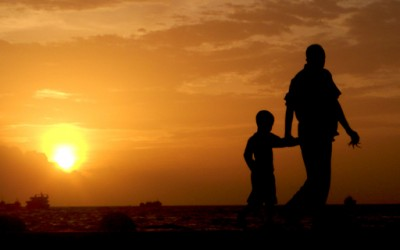 Татко употребува обратна психологија врз синчето
