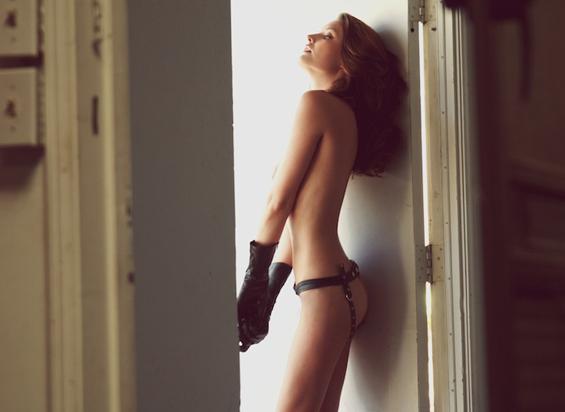 Нескромен женски сексапил