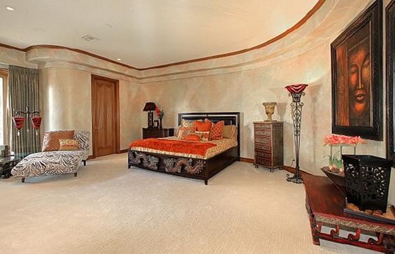 Николас Кејџ продава уште еден луксузен имот