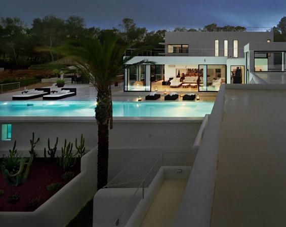 Рајска куќа на Ибица