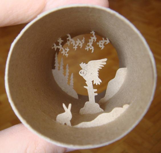 Уметнички сцени во ролни од тоалетна хартија