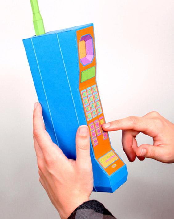 Електронски уреди изработени од шарена хартија