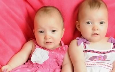 Близначка ù го спасила животот на сестра ù во мајчината утроба