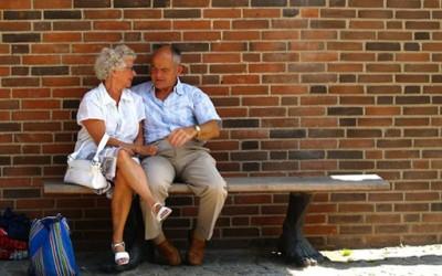 Љубовен жар на стари години