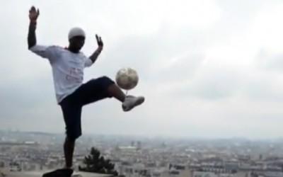 Неверојатни фристајл трикови со фудбалска топка