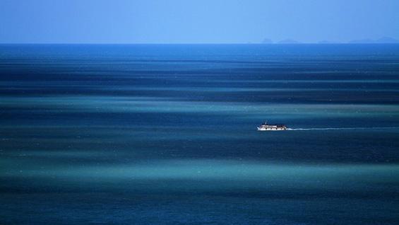 Прекрасниот хоризонт над водените површини