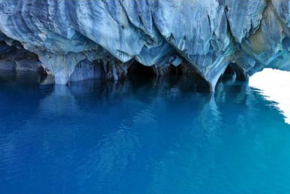 Мермерните азурни пештери
