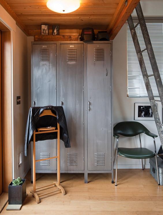 Гаража претворена во фантастична куќичка