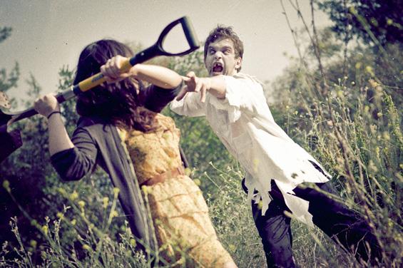 Зомби напад во фотосесија за веридба