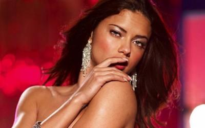 Адријана Лима во нова секси фотосесија