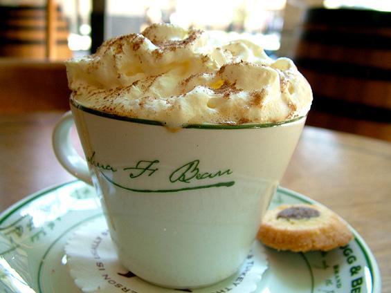 Вкусно кафе со бело чоколадо