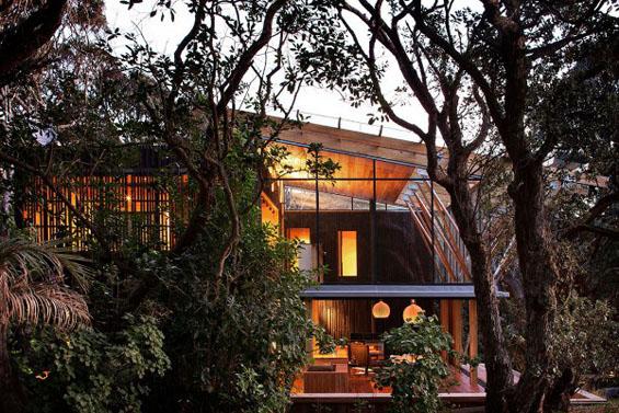 Пријатен интимен дом опколен со неверојатна природа