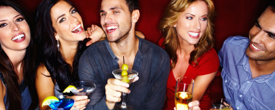 Девојките прескокнуваат оброци за да пијат алкохол и притоа да не се здебелат