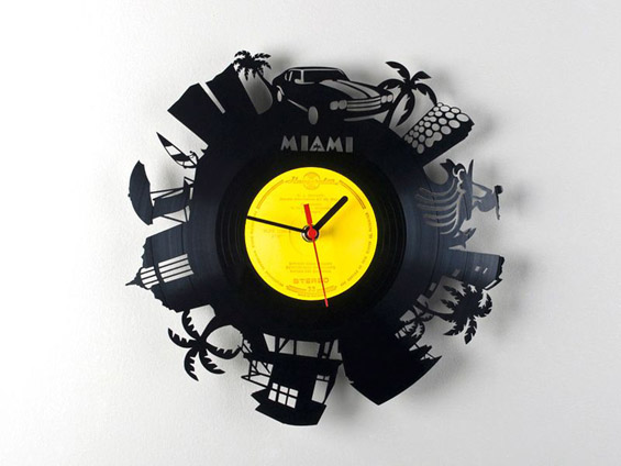 Градски часовници изработени од винилски плочи