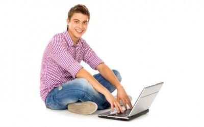 Мажите не треба да го држат лаптопот на нивните бутови