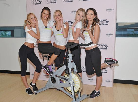 """Видеа со вежби за перфектно тело од моделите на """"Victoria's Secret"""""""