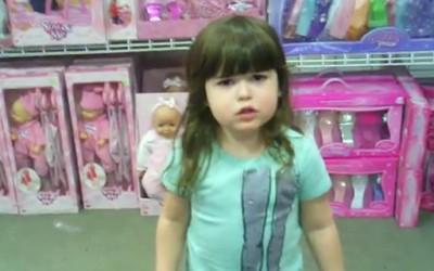 Мало девојче се бунтува против машко-женските стереотипи