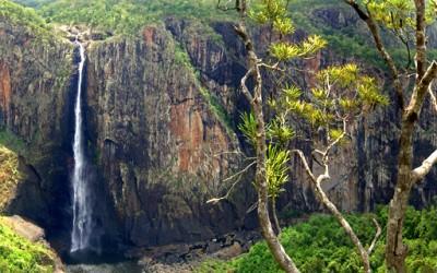 Извонредните Валаманови водопади