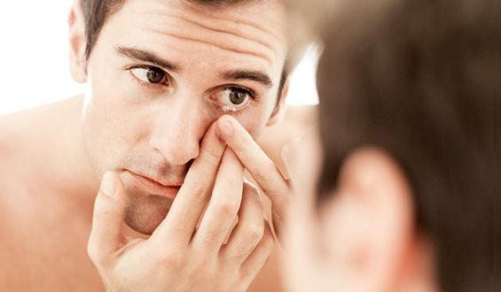 Дали хигиенски ги користите вашите контактни леќи
