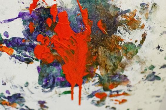 Мајмун слика уметнички дела кои вредат 400 долари