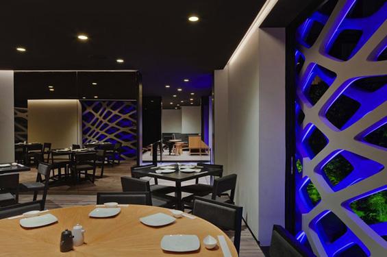 Јапонски ресторан со беспрекорен дизајн