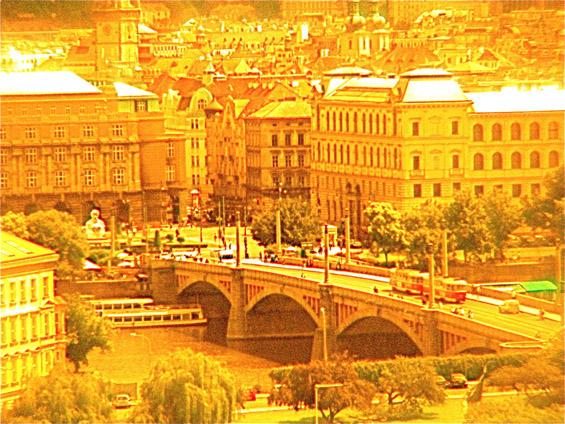 """Зошто Прага се нарекува """"златниот град на Чешка""""?"""