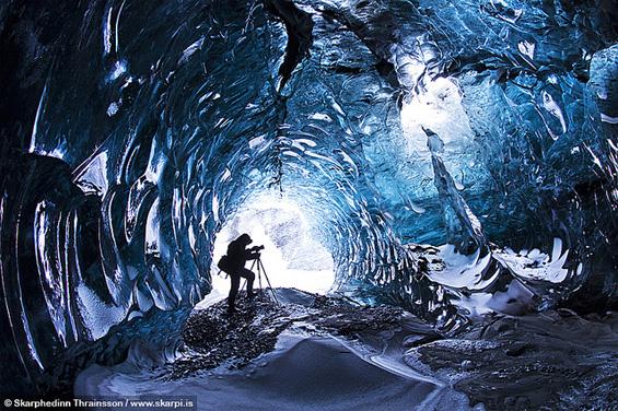 Авантурист направил фотографии во ледена пештера на -12° C