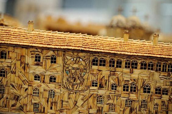 Рилскиот манастир изработен од 6 милиони чкорчиња