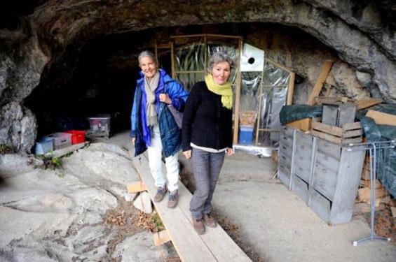 Французинки живеат во ладна пештера