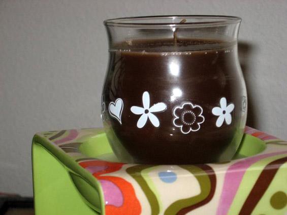 Како да направите чоколадна свеќа?