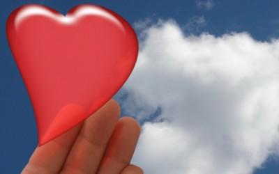 10 знаци дека почнувате да се заљубувате