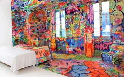 Соба декорирана со графити
