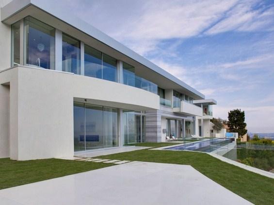 Калифорниска елитна куќа вредна 30 милиони долари