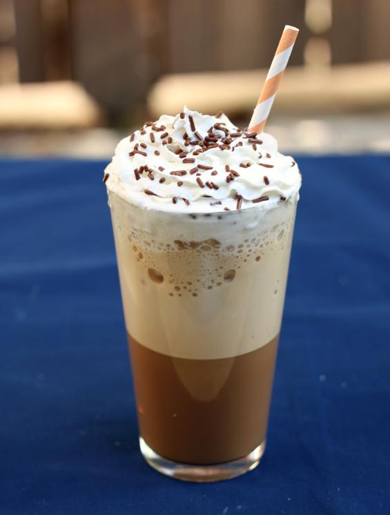 Ледено ванила кафе