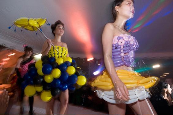 Фустани од балони