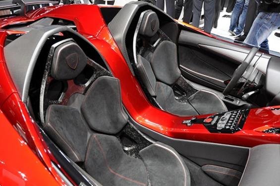 Ламборгини Авентадор Џеј – досега невидено уметничко дело од автомобил