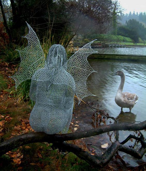 Неверојатни скулптури од плетена жица