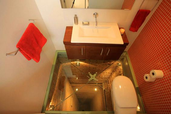 """""""Хорор"""" тоалет на врвот од луксузна 15-катница"""