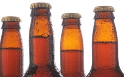Како да отворите шише без отворач