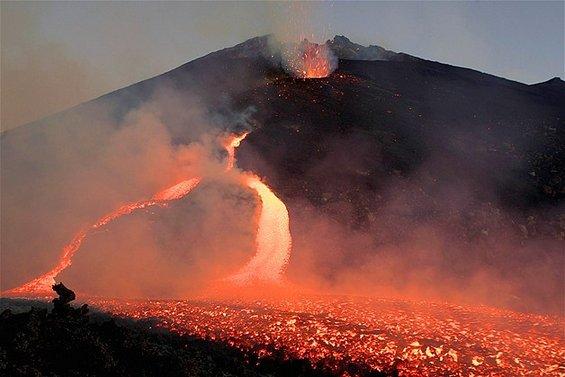 Спектакуларните ерупции на вулканот Етна