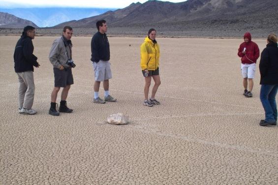 Мистериозните лизгачки камења во Долината на смртта